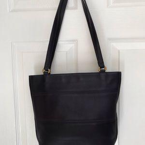 Handbags - Vtg Coach Tribeca Dark Navy Leather E8C-9098